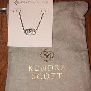 Kendra Scott Elisa filigree necklace